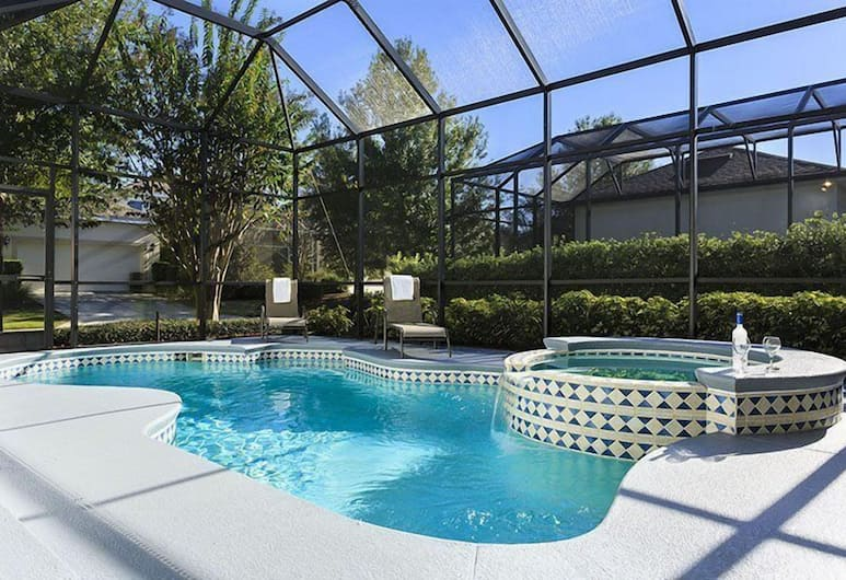 4 Bed villa in Reunion Resort with Pool by RedAwning, Kissimmee