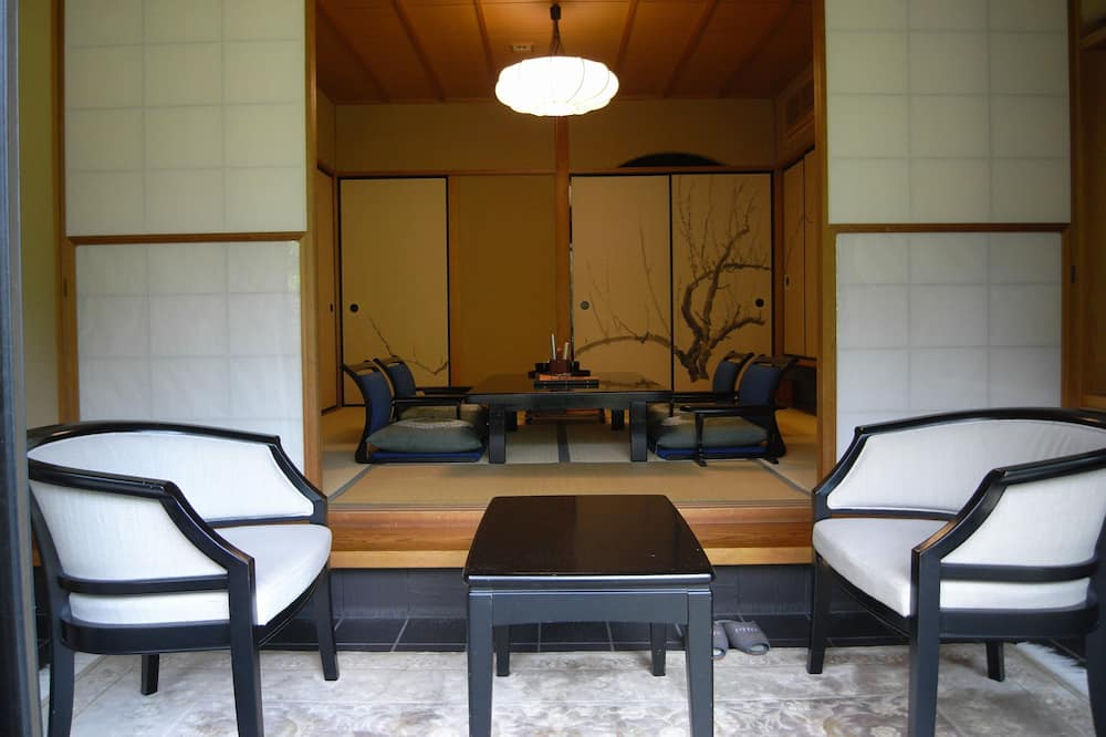 Superior soba, masažna kada (Japanese Style, Excellent Suite) - Dnevni boravak
