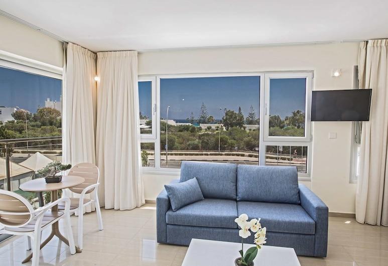 Napasol Boutique Hotel, Ayia Napa, Deluxe Süit, Deniz Manzaralı, Oturma Alanı
