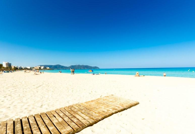 Morito Beach Apartments, Sant Llorenc des Cardassar, Beach