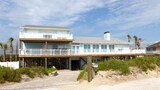 Foto di Beach Gem 6 Br home by RedAwning a St. Augustine