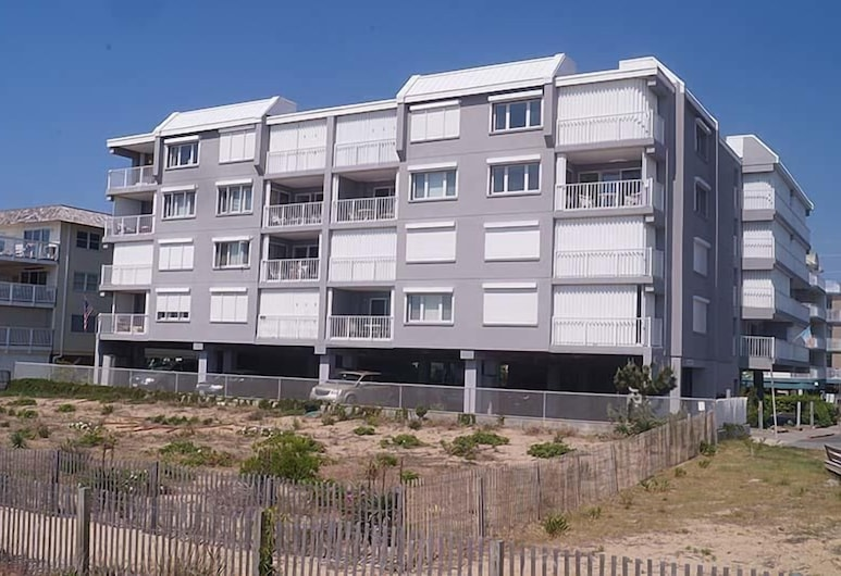 Sungate 402 2 Br condo by RedAwning, Ocean City