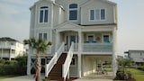 Foto di A Shore Thing 4 Br home by RedAwning a Supply