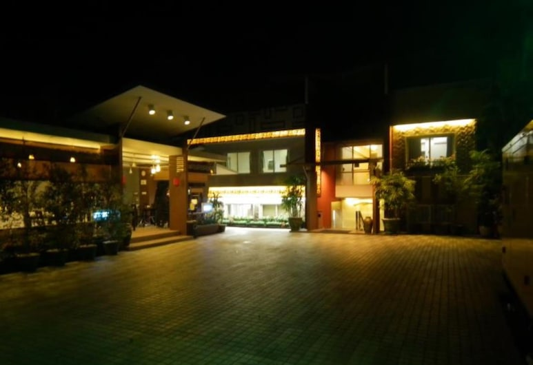 Golden Silk Road Hotel, Rangún
