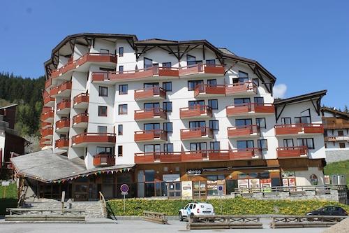 布列塔尼亞白鍵公寓飯店/