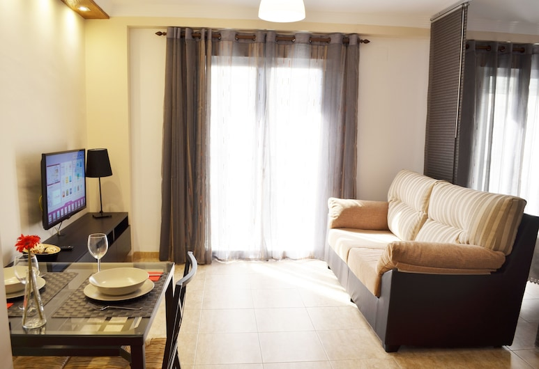 Apartamentos RuiSol, Nerja, Studio (Lucero with extra bed), Wohnzimmer