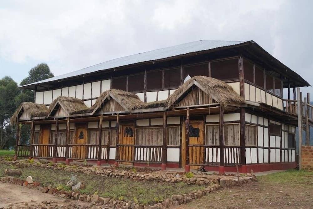 Bwindi Hostel/Backpackers Lodge