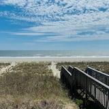 House, 5 Bedrooms - Beach