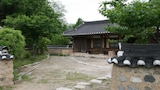 Book this Parking available Hotel in Gyeongju