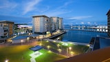 Foto di Absolute Waterfront Luxury Apartments a Darwin