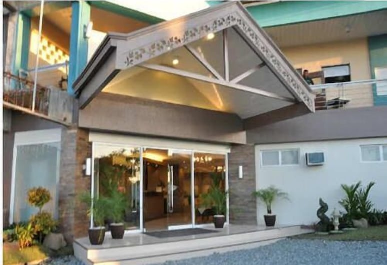 Magallanes Square Hotel, Tagaytay, Hotel Front