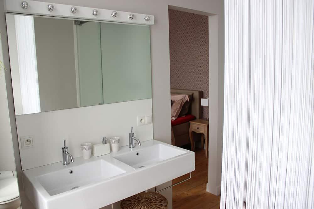 Dobbeltværelse - Vask på badeværelset