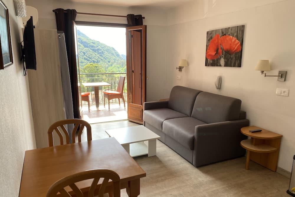 Studio, 1 Bedroom, Terrace, Bay View - Living Area