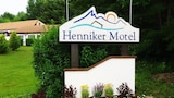 Reserve this hotel in Henniker, New Hampshire