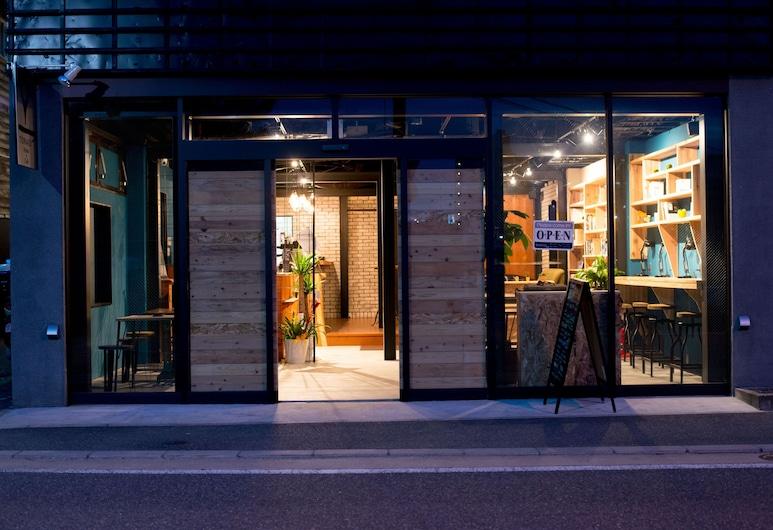 トナギ ホステル×カフェ, 福岡市, フロント