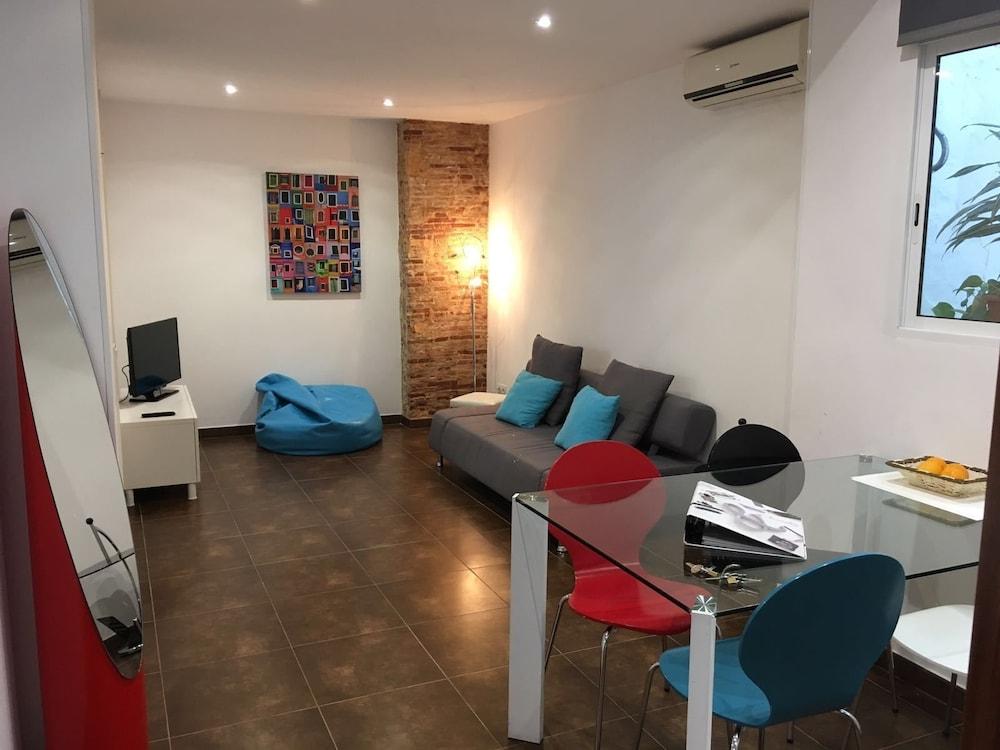 Casa Cosy Apartments, Valencia, Premium Apartment, 2 Bedrooms, Living Area