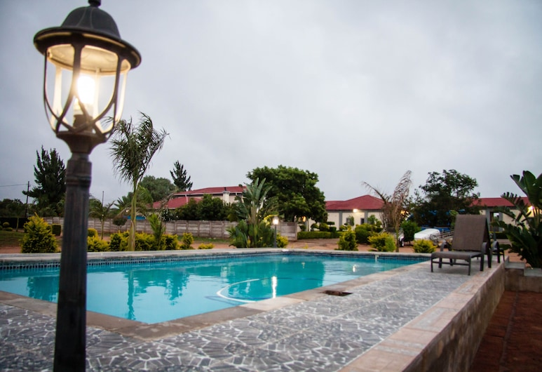 Glen Lodge & Tours, บูลาวาโย, สระว่ายน้ำกลางแจ้ง