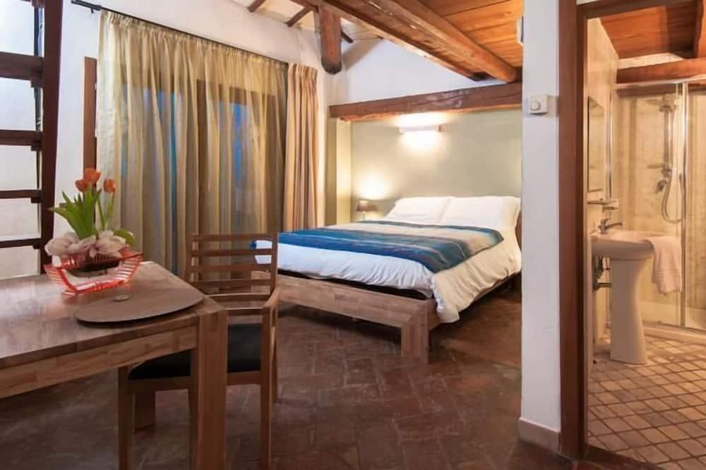 Δίκλινο Δωμάτιο (Twin), 2 Μονά Κρεβάτια - Μπάνιο