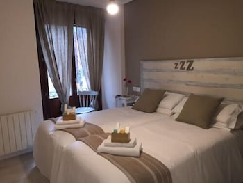 Picture of 7 Kale Bed and Breakfast in Bilbao