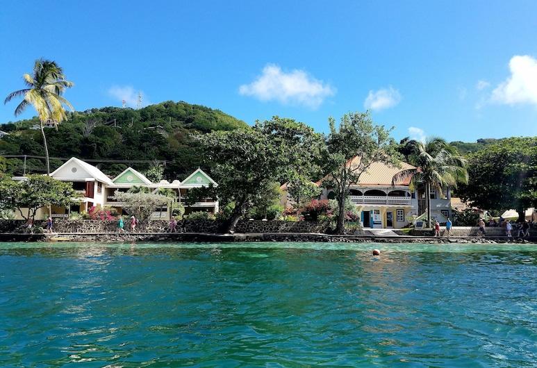 Gingerbread Hotel, Pulau Bequia, Bahagian Luar