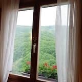 Premier Double Room, Ensuite, Mountain View - Exterior