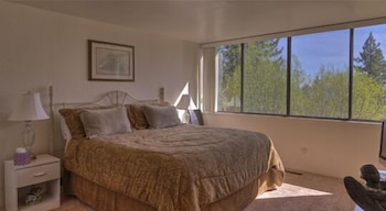 Fotografia hotela (Lake Tahoe Mountain Escape 5 Br home by RedAwning) v meste Incline Village