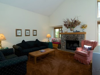 Picture of Premium McCloud Sleeps 8 3 Br condo by RedAwning in Incline Village
