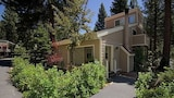 Foto di 166 Forest Pine 4 Br condo by RedAwning a Incline Village