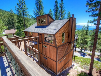 Picture of Village w/Breathtaking Views Hot Tub 5 Br cabin by RedAwning in Incline Village