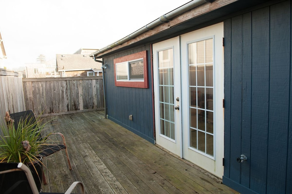 The Mermaid At Nye Beach 3 Br Home By Redawning Newport House