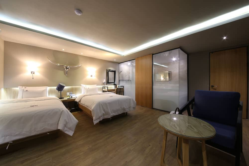 Suite (1 double bed and 1 single bed) - Quarto