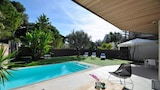 Choose this Villa in Sitges - Online Room Reservations