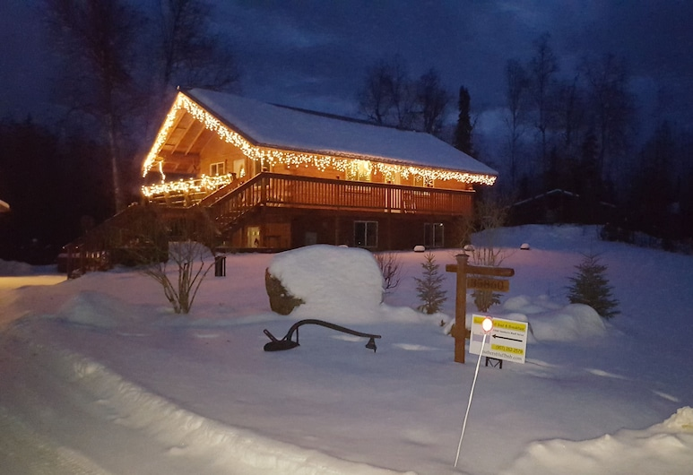Southern Bluff Bed and Breakfast, Soldotna, Vchod do hotela