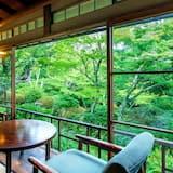 غرفة تقليدية - بحمام خاص (Sakura) - منظر للحديقة
