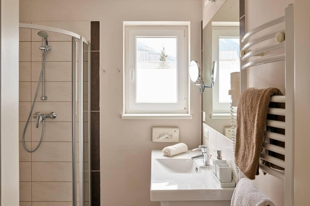 Standardní pokoj s dvojlůžkem, balkon - Koupelna