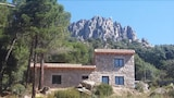 Reserve this hotel in La Cabrera, Spain