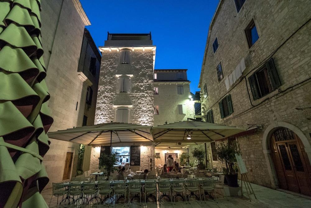 Book murum boutique hotel in split for Boutique hotel croatie