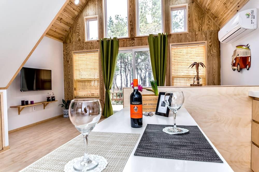 Villa (Tail A, Duplex) - In-Room Dining