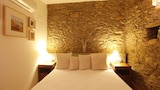 Book this In-room accessibility Hotel in Palau-Saverdera