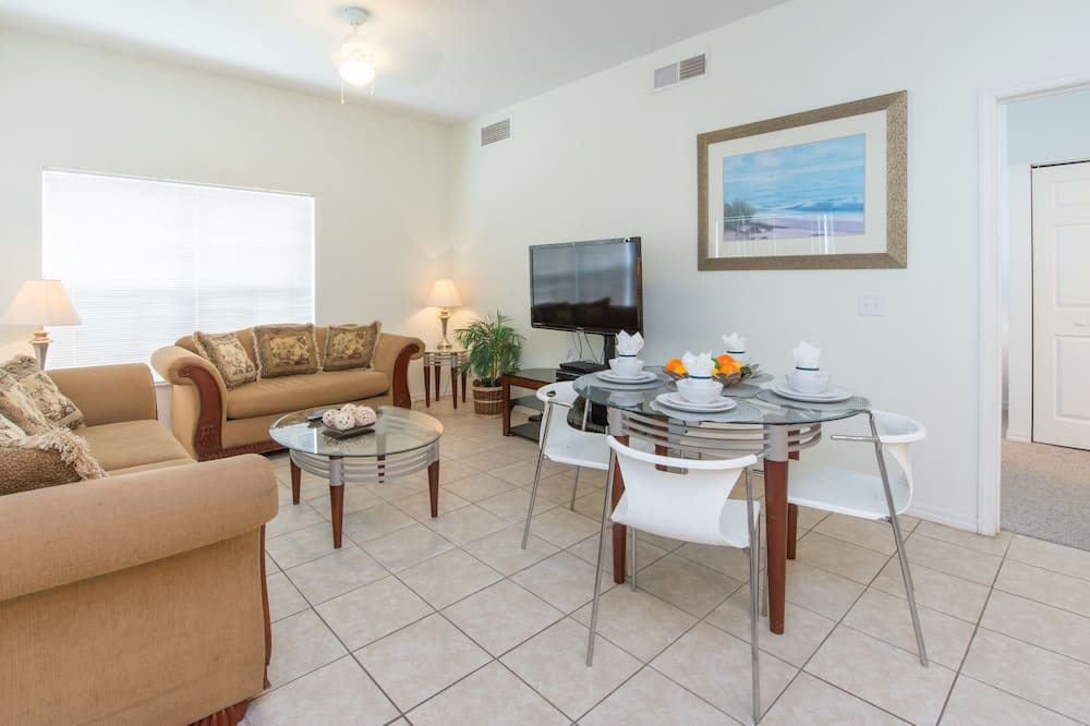 Classic Townhome, 4 Bedrooms - Living Room