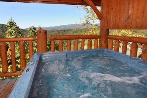 Hullabaloo 4 Br cabin by RedAwning   Book Hullabaloo 4 Br cabin by RedAwning  in Pigeon Forge now with great deals   Hotels com. Hullabaloo 4 Br cabin by RedAwning   Book Hullabaloo 4 Br cabin by