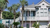 Foto di Casa Rosa East 3 Br home by RedAwning a Galveston