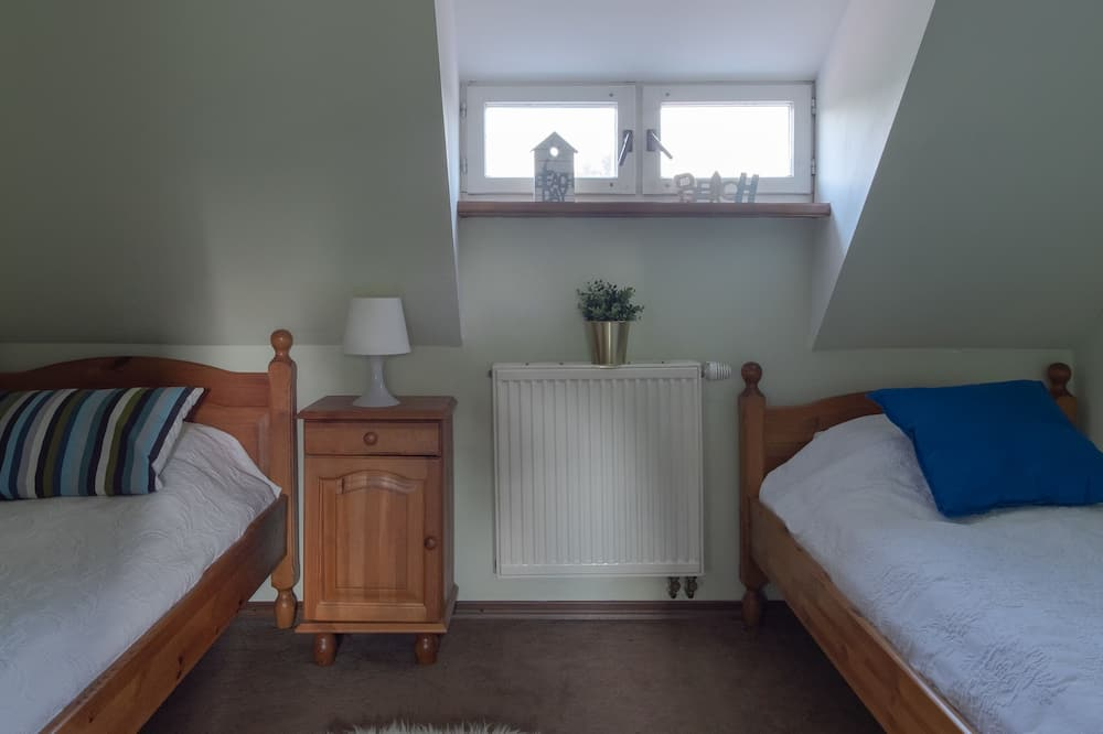 Keturvietis kambarys (No. 2) - Vaikų teminis kambarys