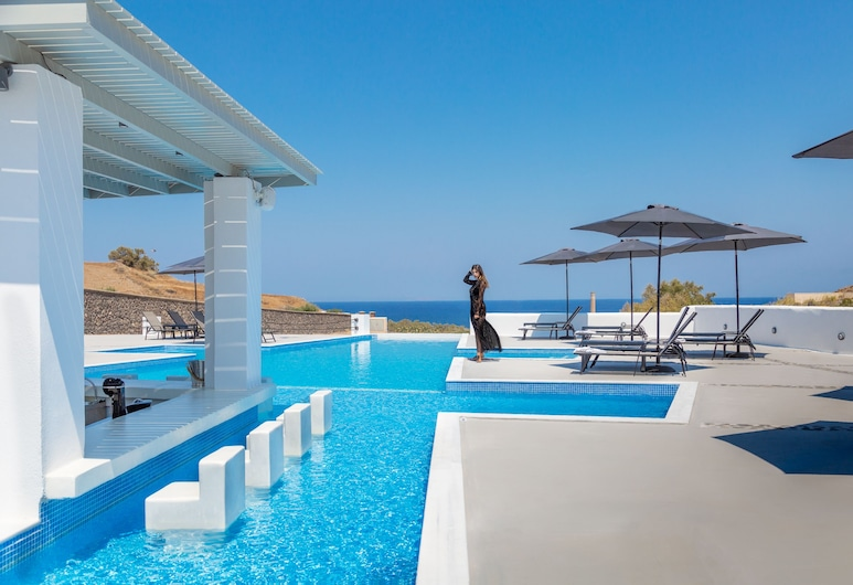 Desiterra Suites and Villas, Santorini, Bar ved bassenget