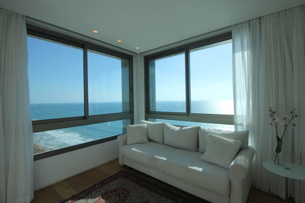 Luxury Apartment, 3 Bedrooms, Sea View - Living Room