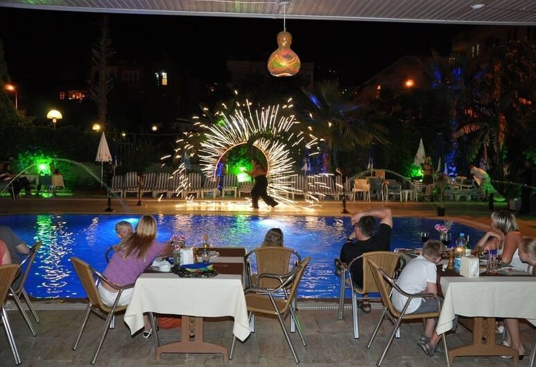 Kleopatra South Star, Alanya, Açık Havada Yemek