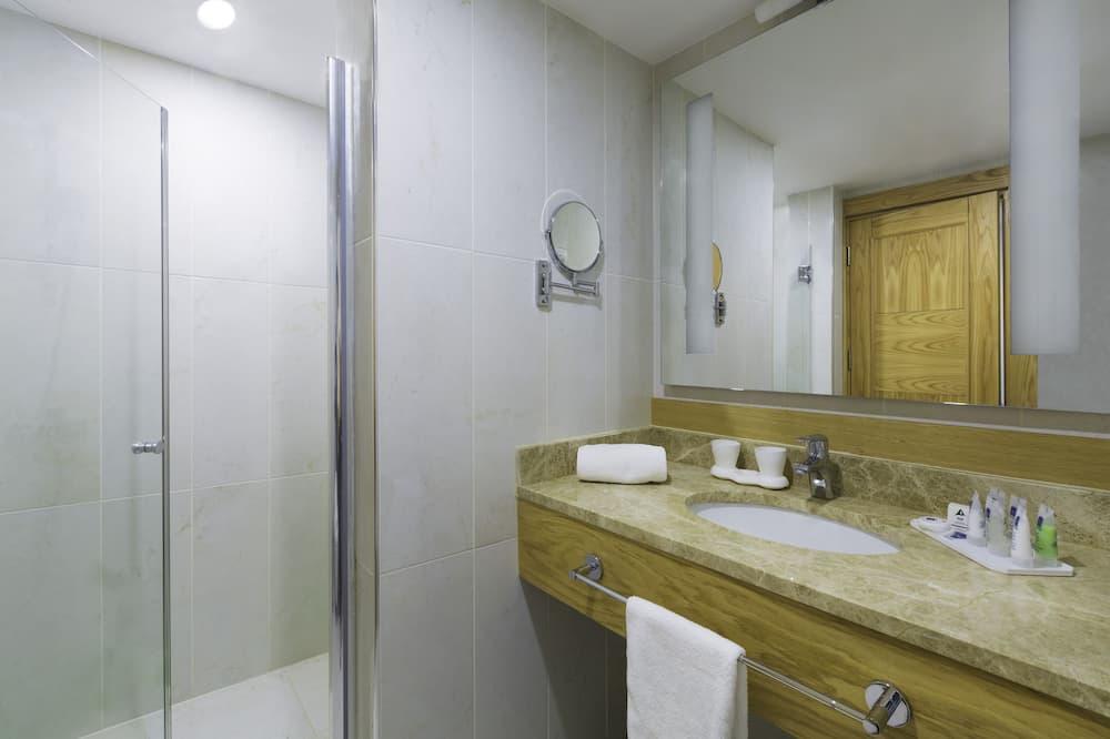 Žemesnės liukso klasės numeris, 1 labai didelė dvigulė lova (Oversized Room) - Vonios kambarys