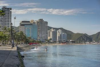 Introduce sus fechas y vea precios de hoteles última hora en Santa Marta