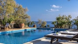Choose This Luxury Hotel in Ierapetra
