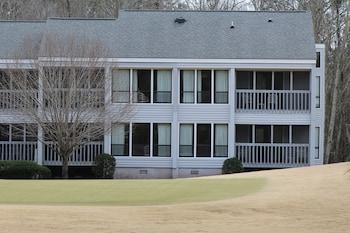 Picture of Fairways Villas in New Bern